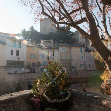 Pernes-les-Fontaines e o Museu de Roupas Provençais