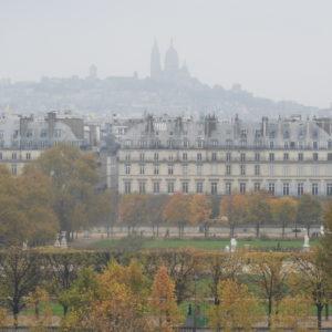 Basílica de Sacre Coeur e Jardins de Tuileries vistos do Museu d'Orsay